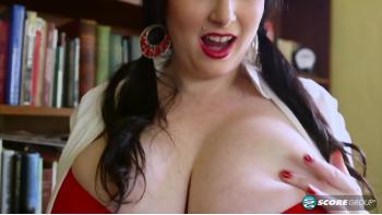 sexiga byxor stora vackra bröst